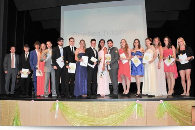 Abschlussballfotos beim Abiball in Frankfurt für die Carl von Weinberg Schule